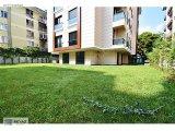 Yeşilyurt'ta, Polat Otel Yakını, 3+1, 137m2, Bahçe Kullanımlı.